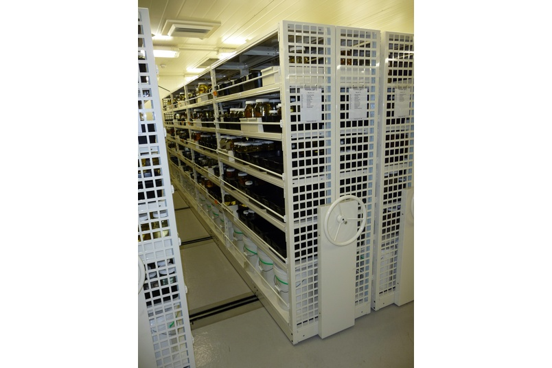 LSPN mechanical assisted mobile storage.