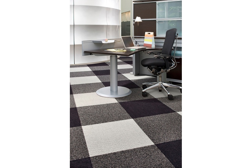 Monochrome carpet tile –Umber Concrete Mena Stone