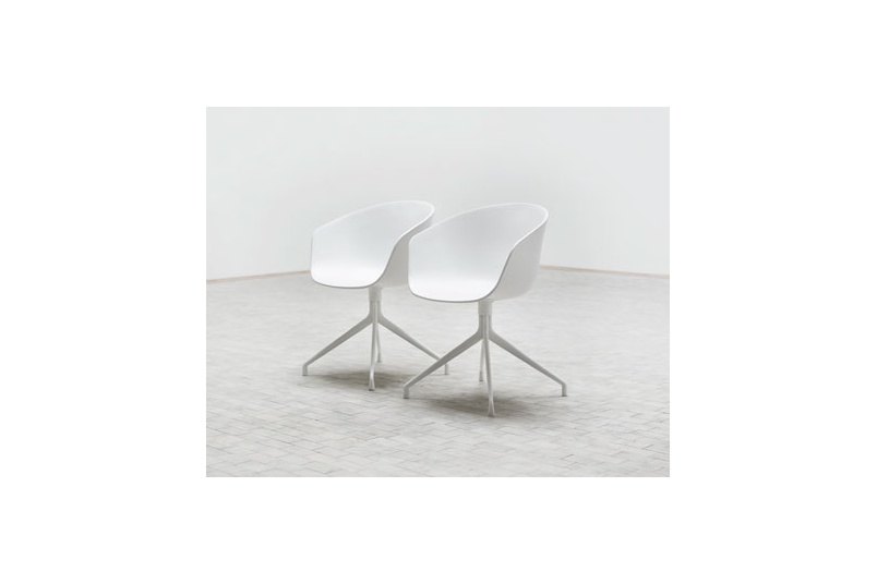 About A Chair with arms – seat is polypropylene in black/white