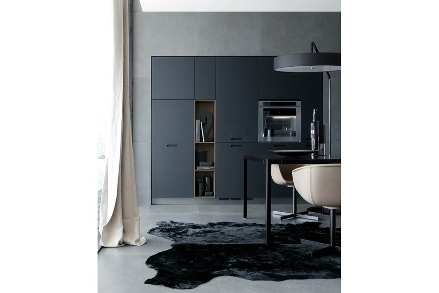 Kyton kitchen with tall units that completely conceals all the appliances.