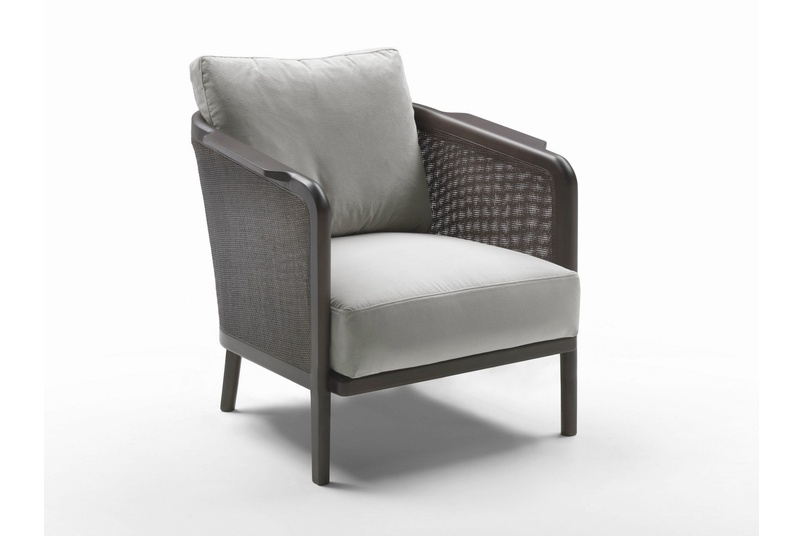 The seat is wood and metal with foam polyurethane padding covered with protective fabric lining.