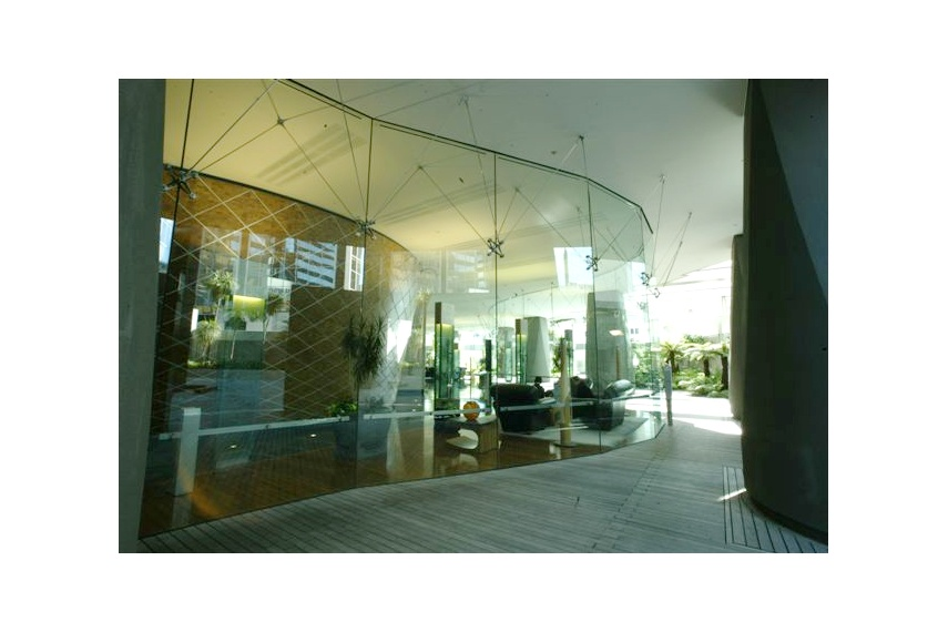Shop front vision systems - Royal Sun Alliance, Auckland