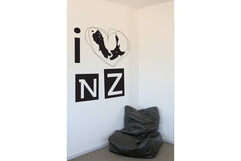 I love NZ  available in 80 colours
