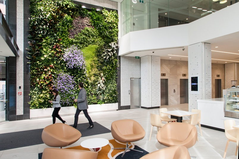 The Green Wall is the ideal modular plantscape system to bring life to vertical surfaces.
