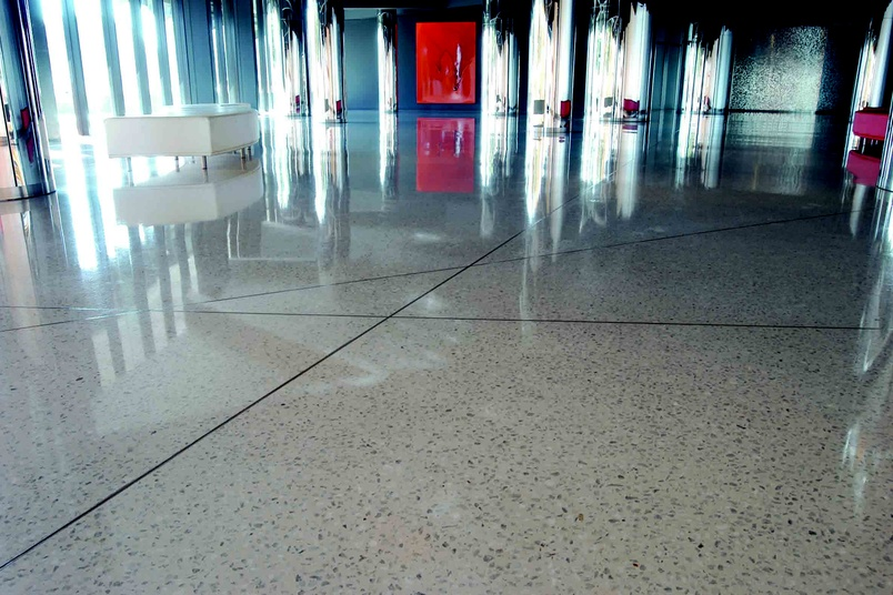 HiPERFLOOR makes old and new concrete floors highly abrasion resistant, dense and smooth.