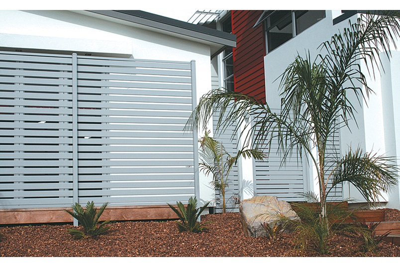 Santa Fe offers an extensive range of louvres, shutters, screens and fences.