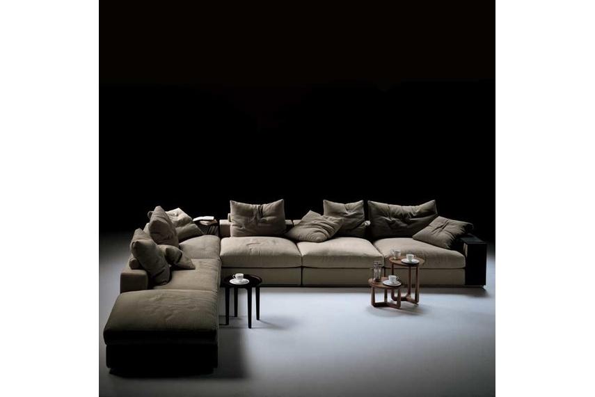 The Flexform Groundpiece modular sofa is designed by Antonio Citterio.