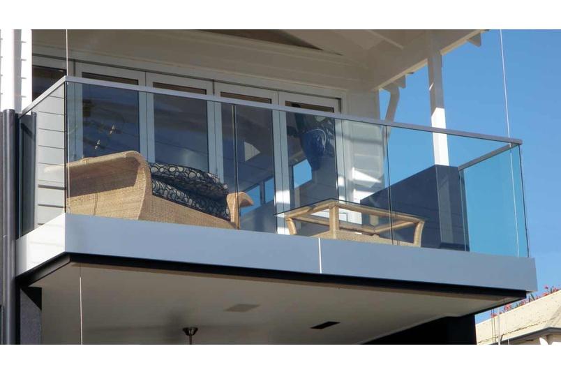 Cuboid face fixed balustrade.