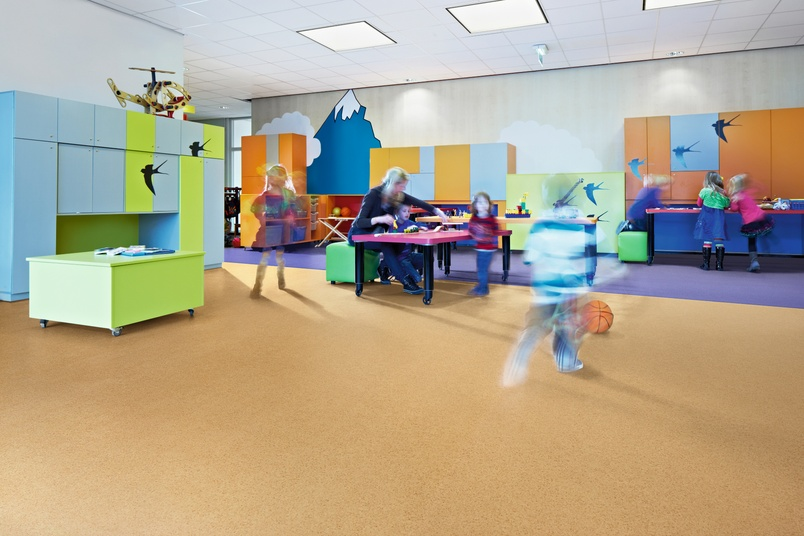 Forbo Sarlon acoustic vinyl flooring in a kindergarten.