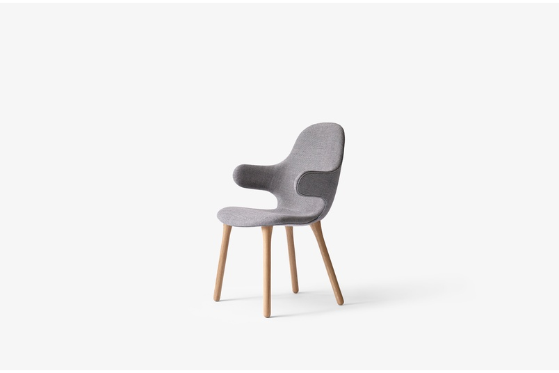 Catch chair by &Tradition.