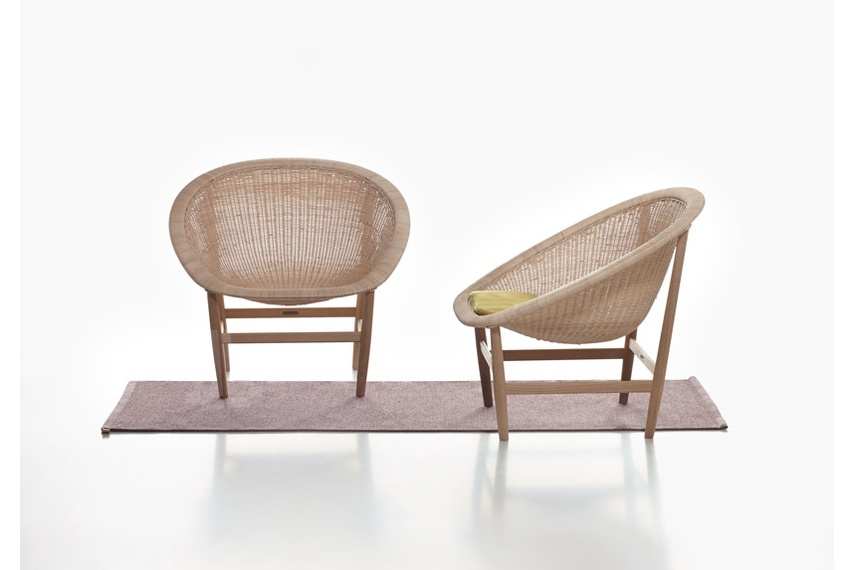 The cushion fabric is designed by Nanna Ditzel, the 'queen of Danish design'.