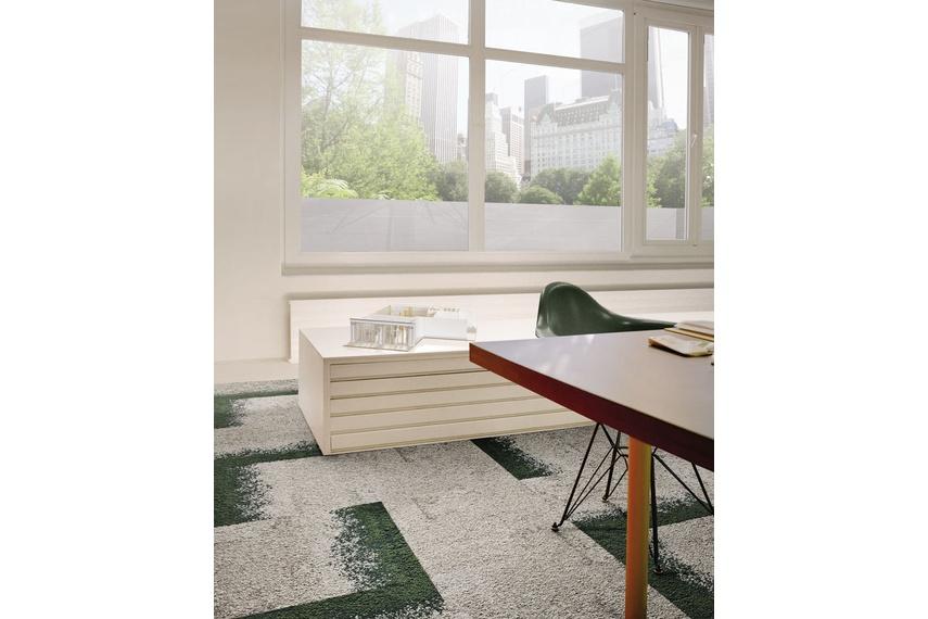 Urban Retreat One carpet tile – Ash Ivy.